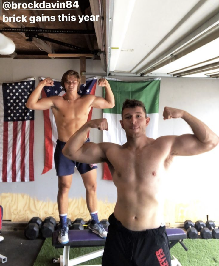 Brock-davin-muscles-shirtless-boyculture