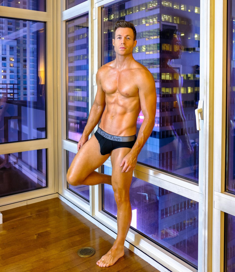 Ashley-parker-angel-shirtless-boyculture