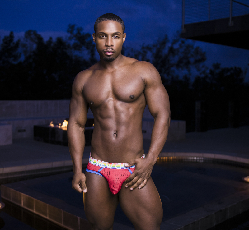 Noir-male-shirtless-gay-porn-boyculture