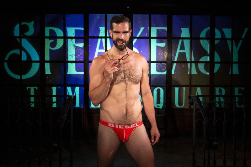 Timothy-hughes-revealing-shirtless-gay-2-boyculture