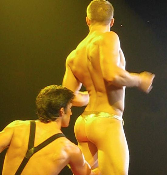 Broadway-bares-boycultur