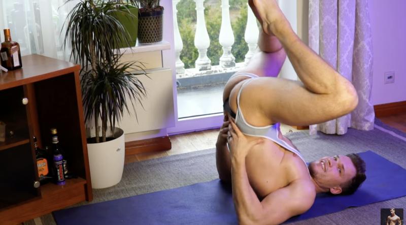 Lovely-john-yoga-shirtless-boyculture
