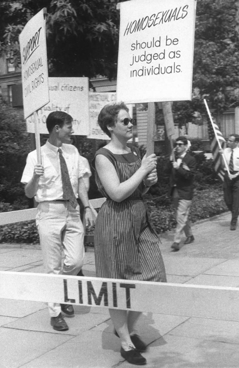Lahusen-lesbian-gay-gittings-boyculture