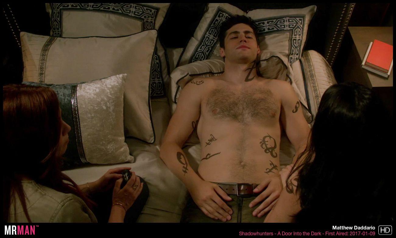 Nude matthew daddario Matthew Daddario