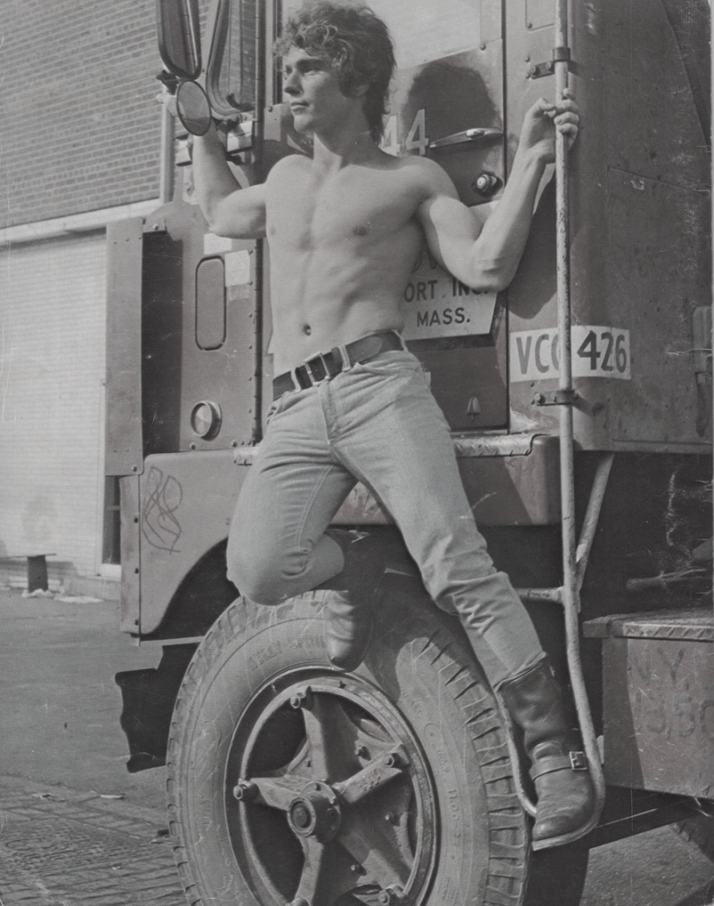 Muscles-shirtless-boyculture-vintage